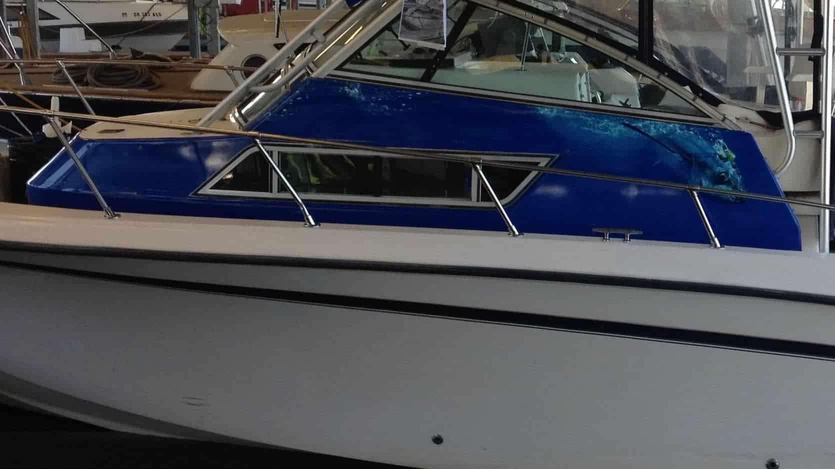 boat-rockett-side