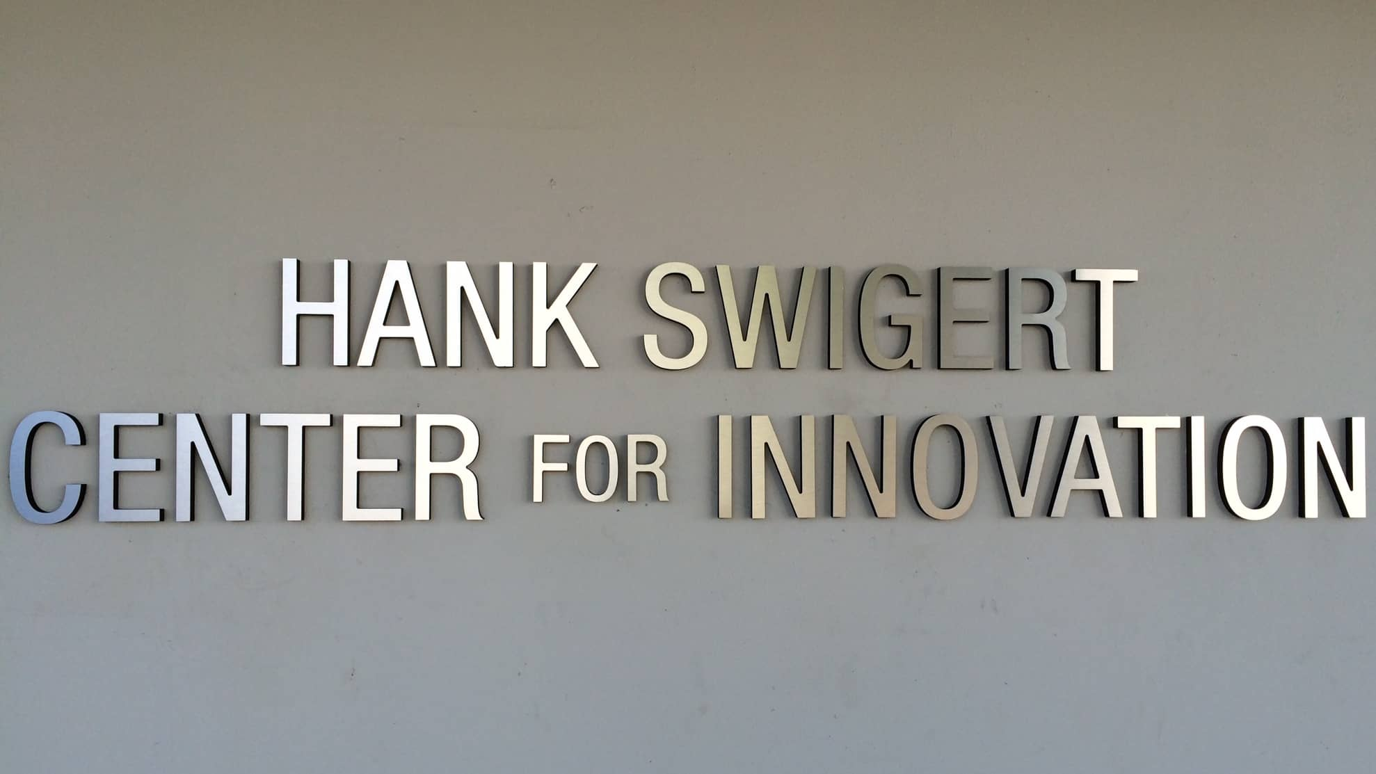 swigert dimensional building sign