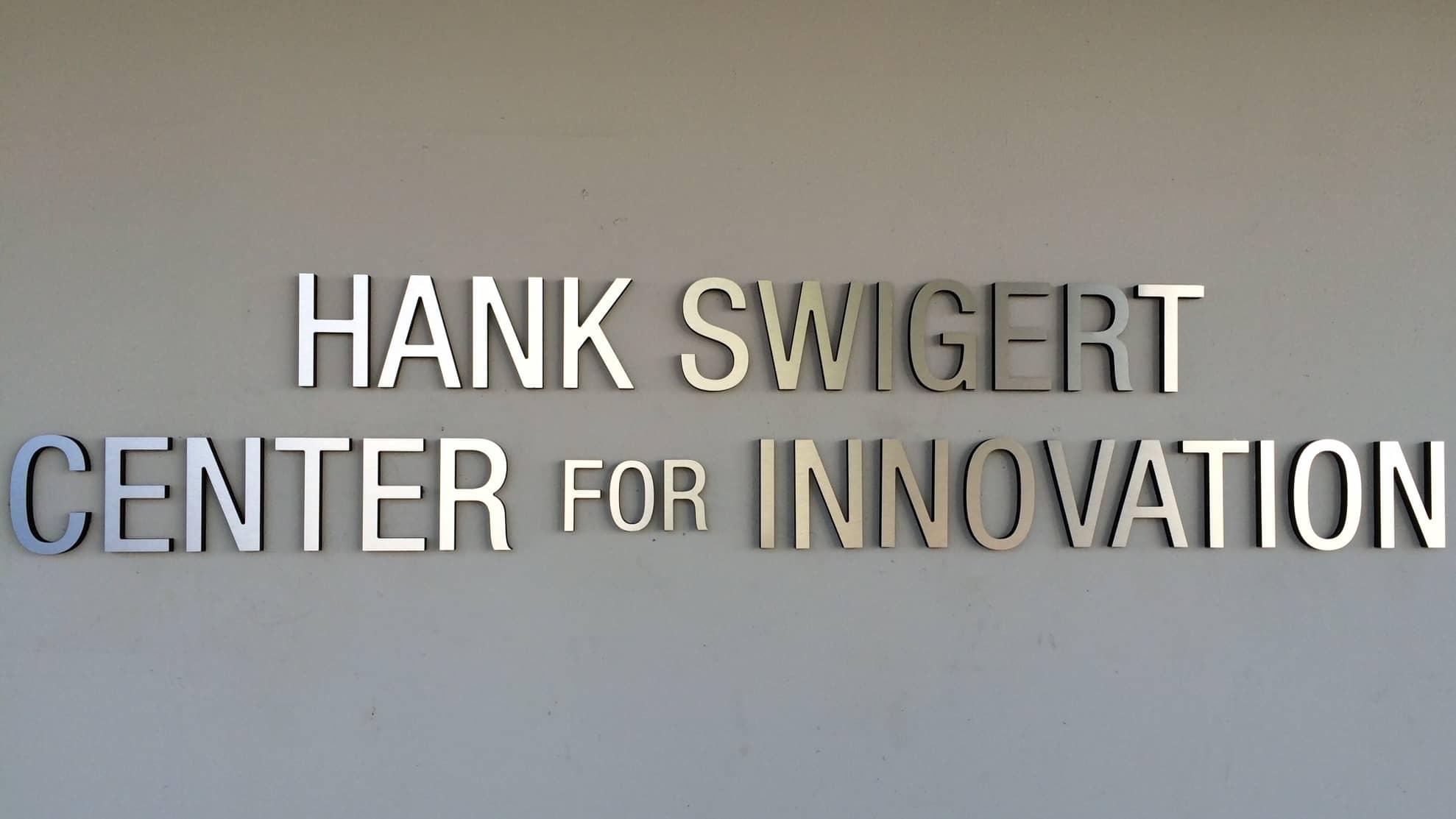 swigert dimensional building sign